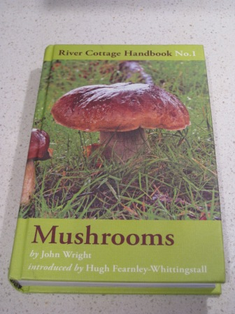 Mushrooming guide book