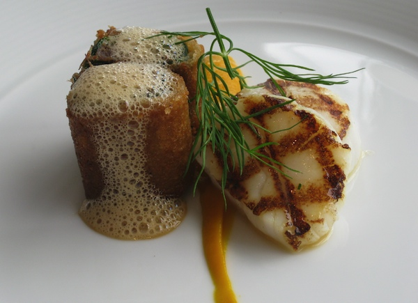 Sea scallops, peppered oxtail