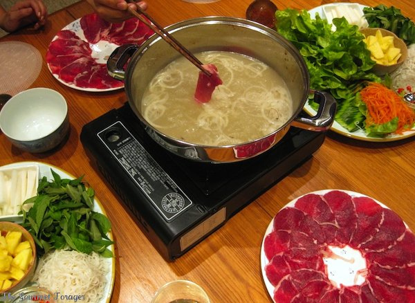 Beef fondue in action