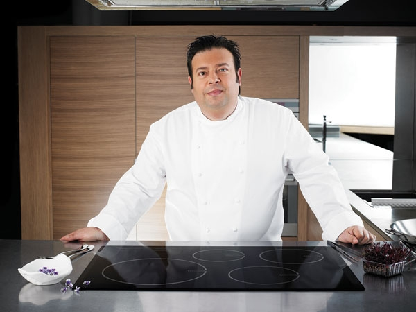 One lucky Gourmet Forager reader will win 2 spots at an exclusive masterclass with Peter Gilmore!
