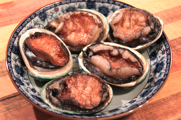 Some farmed baby abalone to accompany their larger wild cousins